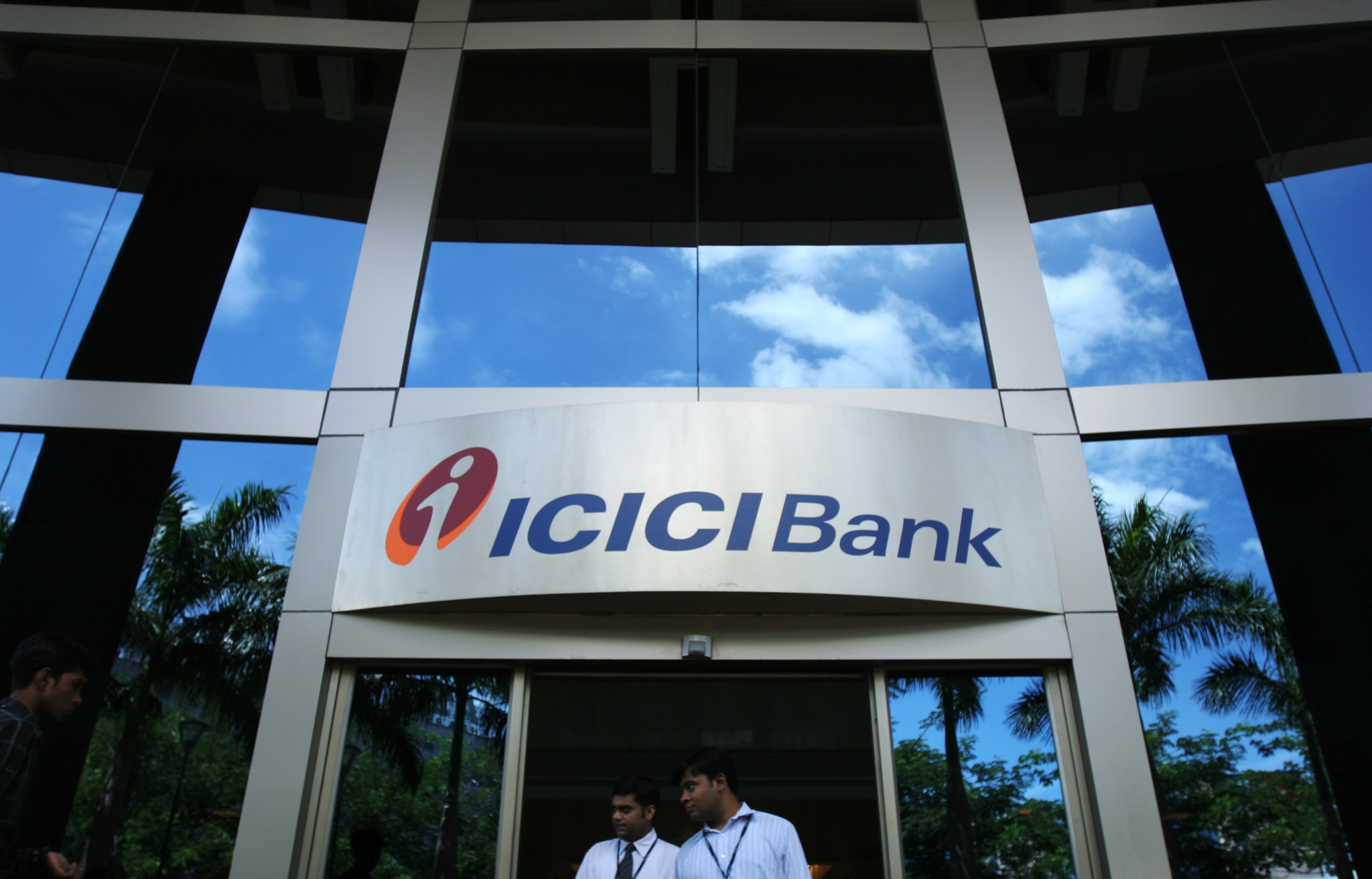 Stocks Radar Icici Bank Axis Bank Motherson Sumi And
