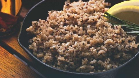 Quinoa vs. Rice: The Health Benefits of Each Grain