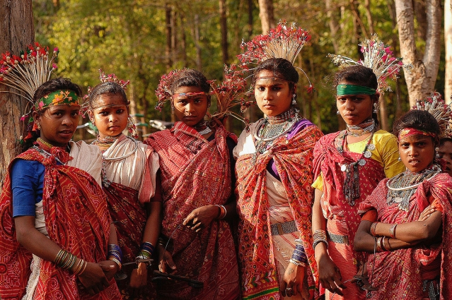 Why is the Right Missing in Tribal Discourse?