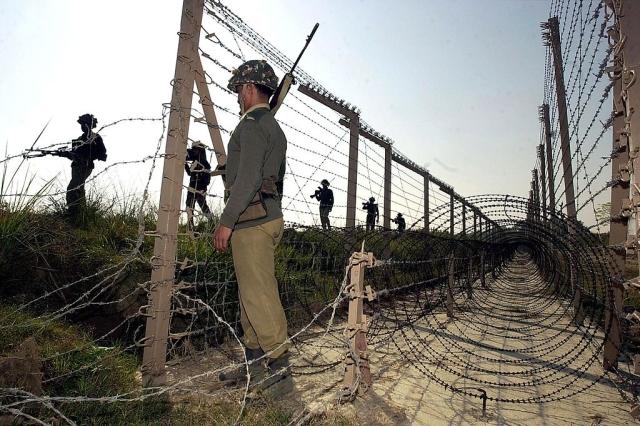 Jammu and Kashmir LoC, BSF, (AUSEEF MUSTAFA/AFP/Getty Images)