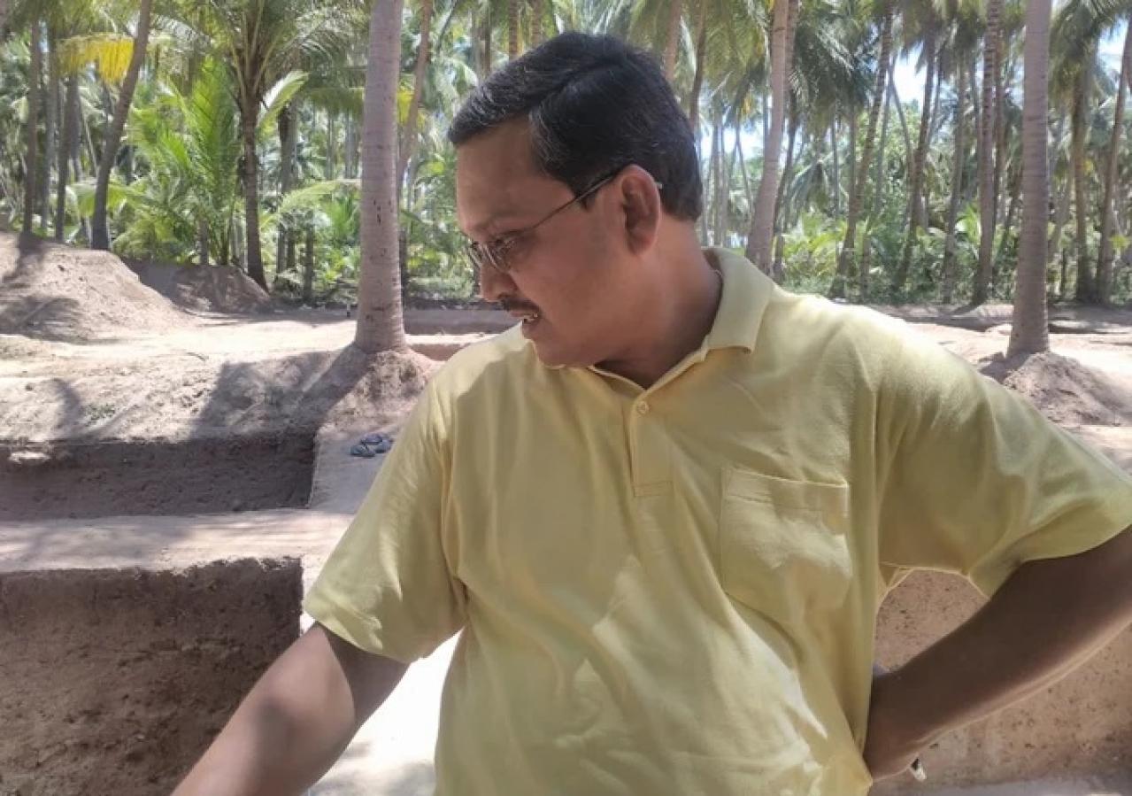The Superintending Archaeologist at the site, Mr Amarnath Ramakrishna.