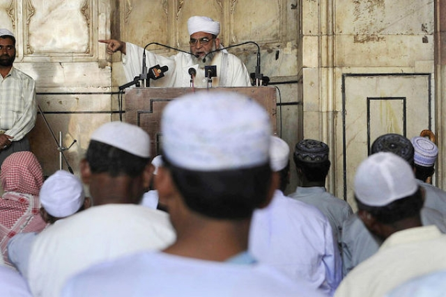 Zakir Naik Or Indian Islamic Clerics: Who Is The Bigger Hypocrite?