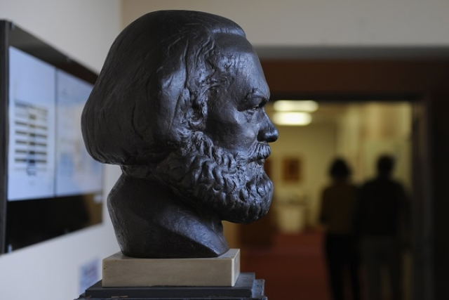The Paradox Of Knowledge And Why Marx's Predictions Didn't Come True