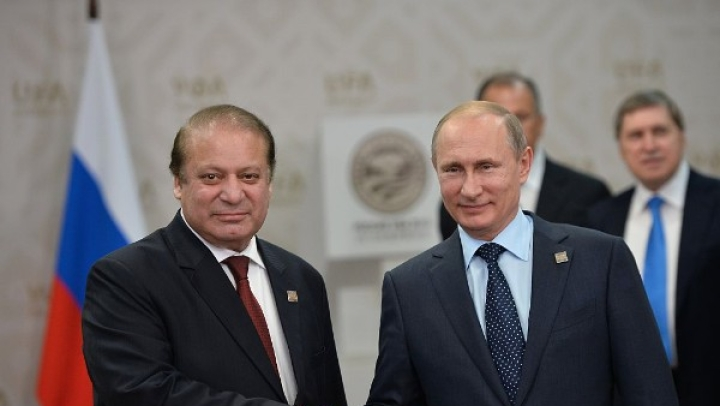 Russia And Pakistan Plan Joint Military Exercise. Is Moscow Drifting Away From New Delhi?