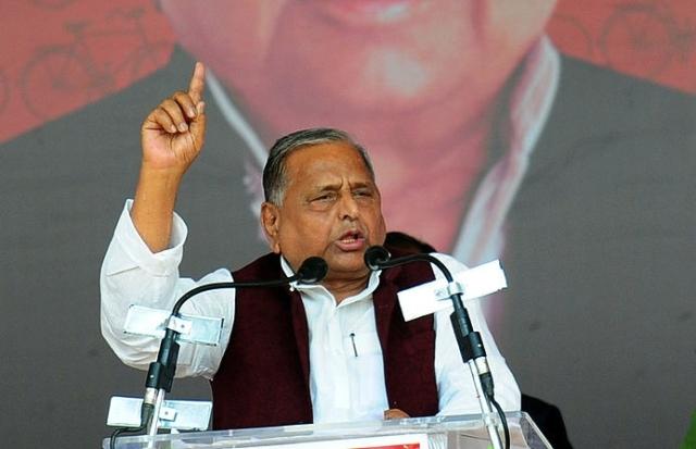 Mulayam Cannot Do Without Shivpal, Even If It Means Alienating Akhilesh