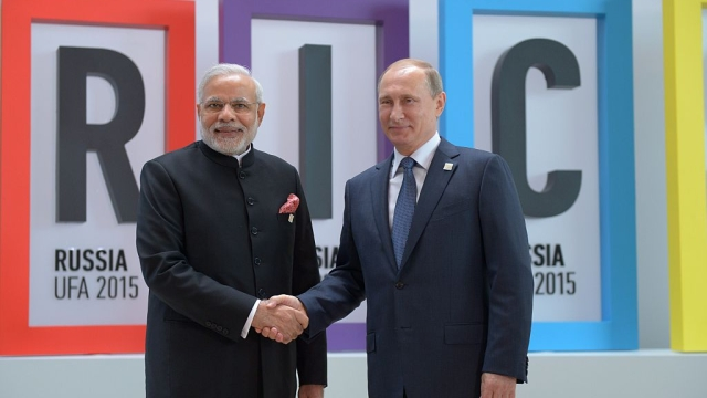 Morning Brief: India-Russia To Seal FGFA Deal; RSS Member Hacked To Death; Soldier Killed In Pakistani Firing