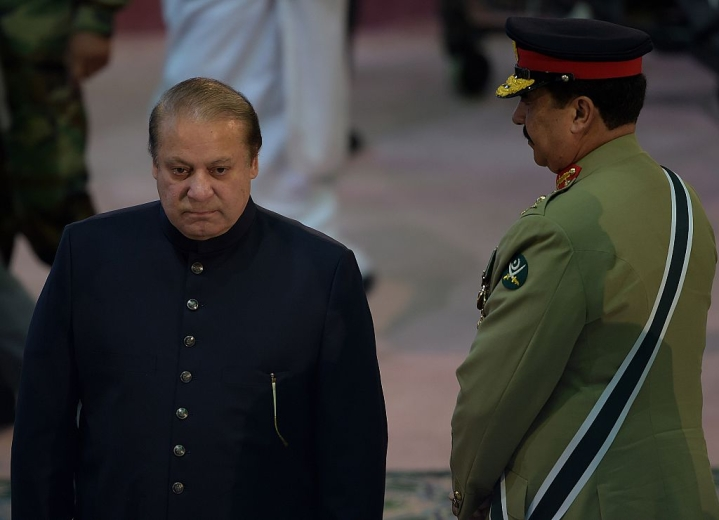 Panamagate: Sharif Served Notice By The Supreme Court. Is Army Calling The Shots In Pakistan?