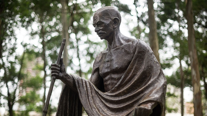 Gandhi: From Colonial Racialism To Hindu Humanism
