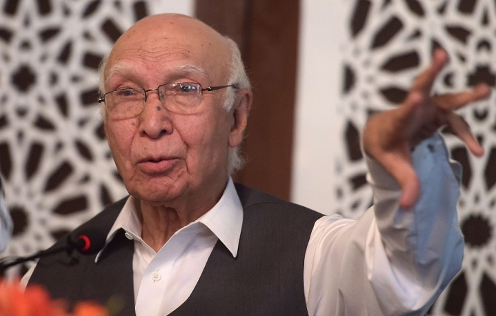Sartaj Aziz To Visit India In December, Hints At Easing Of Hostility