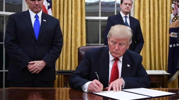 Following Outrage At Home And Abroad, Trump Signs Executive Order Bringing Family Separation Practice To End