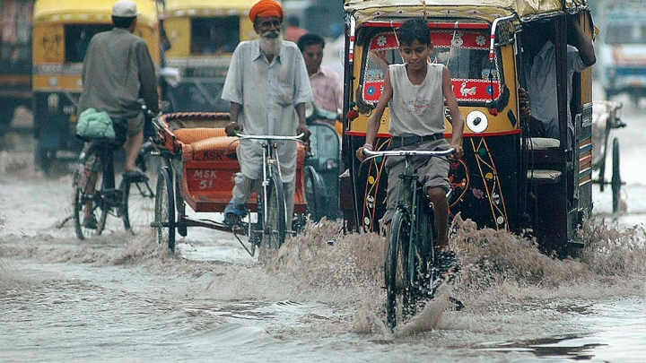 India's Monsoon Puddle Problem Solved: Sponge-Like Concrete Absorbs Over 3,000 Litres Of Water In 60 Seconds