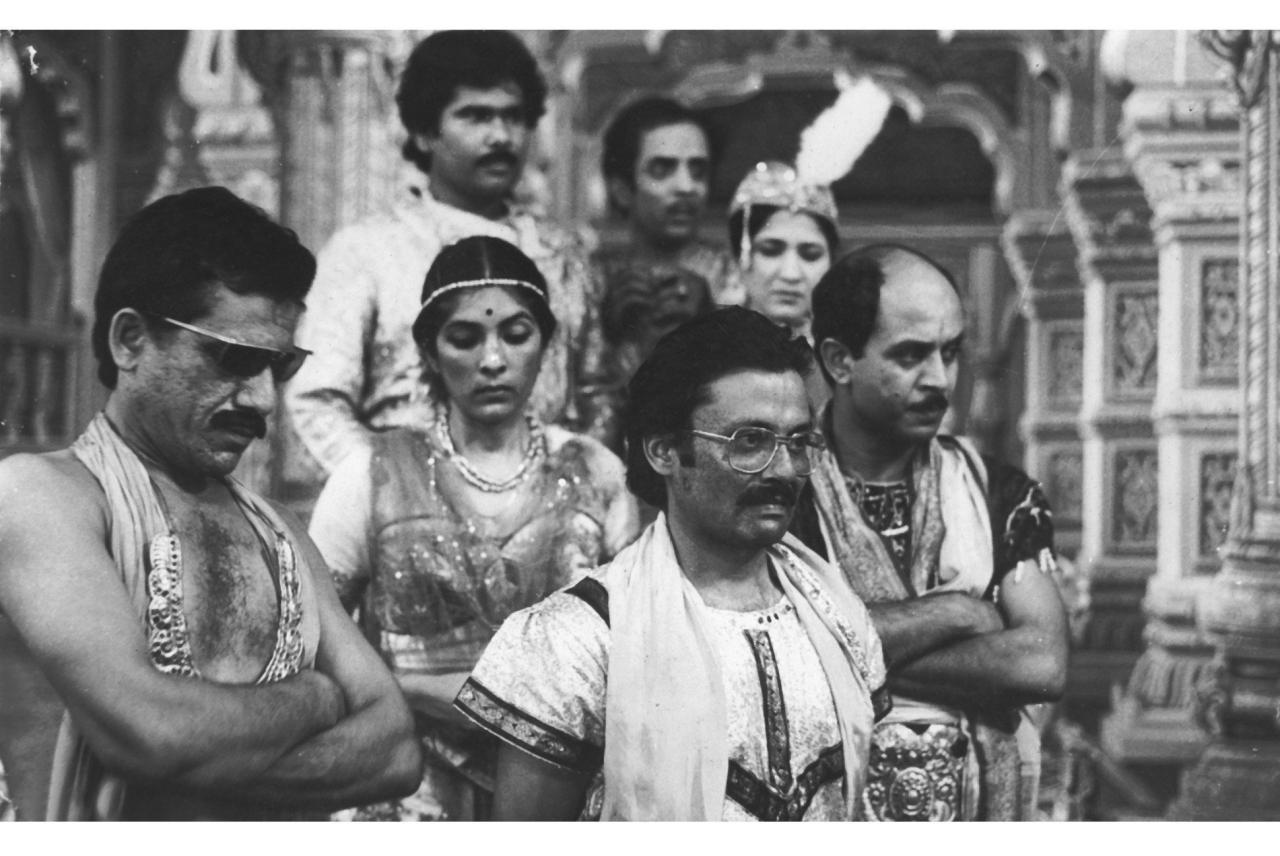 Om Puri as Ahuja in 'Jaane Bhi Do Yaaron'