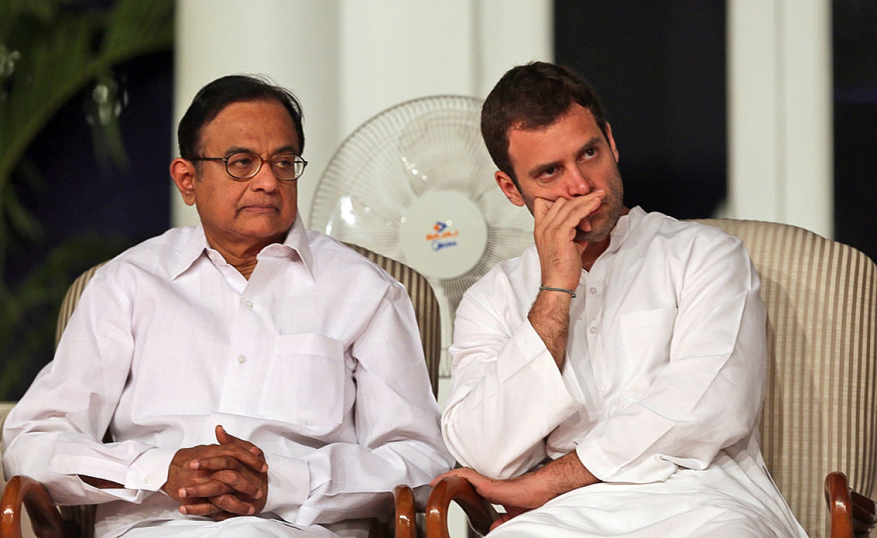 Congress party leaders Rahul Gandhi and former finance minister P Chidambaram. (MANISH  SWARUP/AFP/GettyImages)