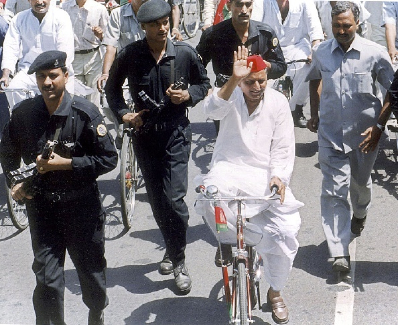 Mulayam in a cycle rally (PAWAN KUMAR/AFP/Getty Images)