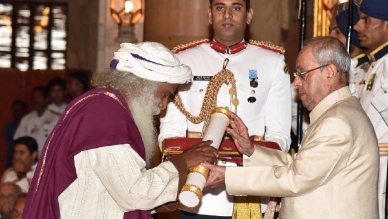 President Mukherjee Confers Padma Vibhushan On Sadhguru Jaggi Vasudev