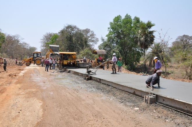 The Sukma-Dornapal road being constructed