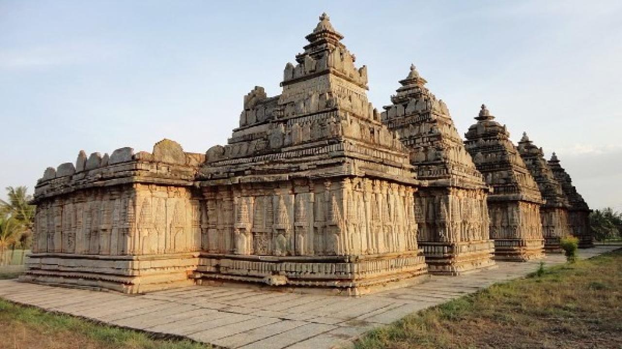 Panchalingeshwara Temple, Mandya (HoysalaPhotos/Wiki Commons)