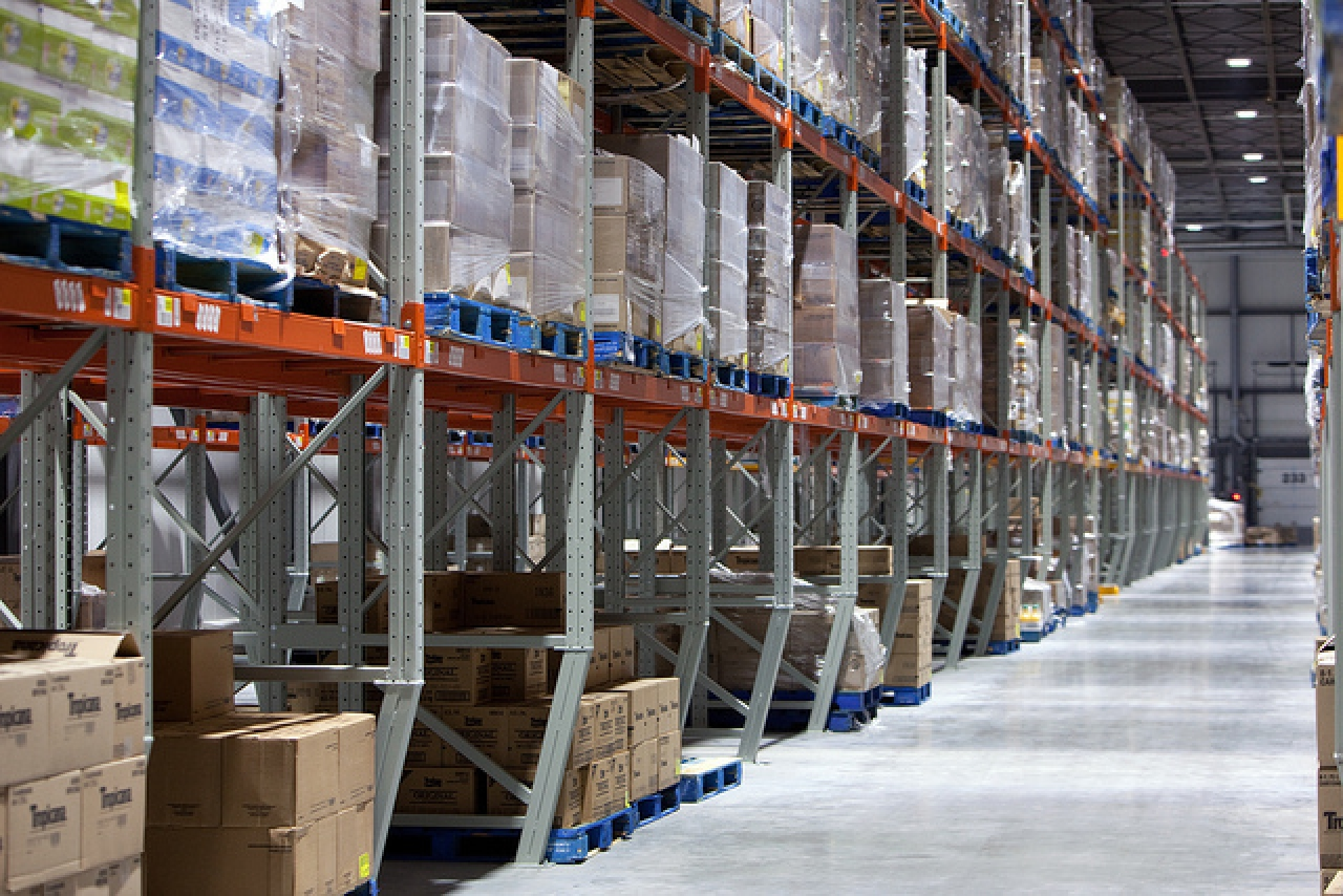 Cold storage (Flickr.com/Walmart)