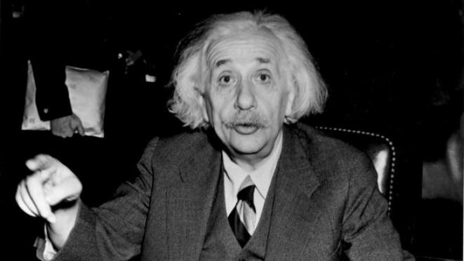 Albert Einstein (Central Press/Getty Images)
