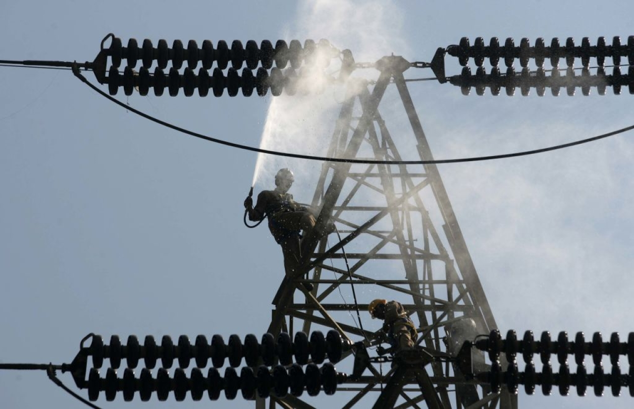 Power transmission (Satish Bate/Hindustan Times via Getty Images)