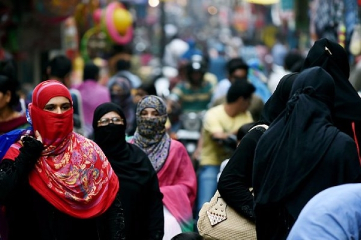 Morning Brief: Triple Talaq Bill Hits Hurdle; Rs 7,577 Crore For Weak PSU Banks; Anti-Dumping Duty On China Products