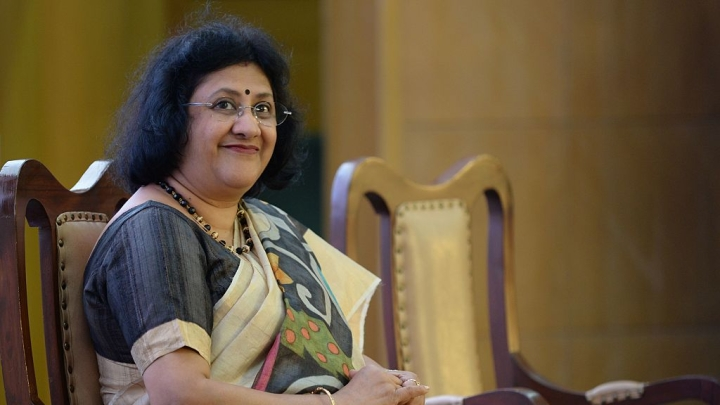 Morning Brief: Economy Set To Bounce Back, Says SBI Chief; Mass Grave Of 28 Hindus Discovered In Myanmar