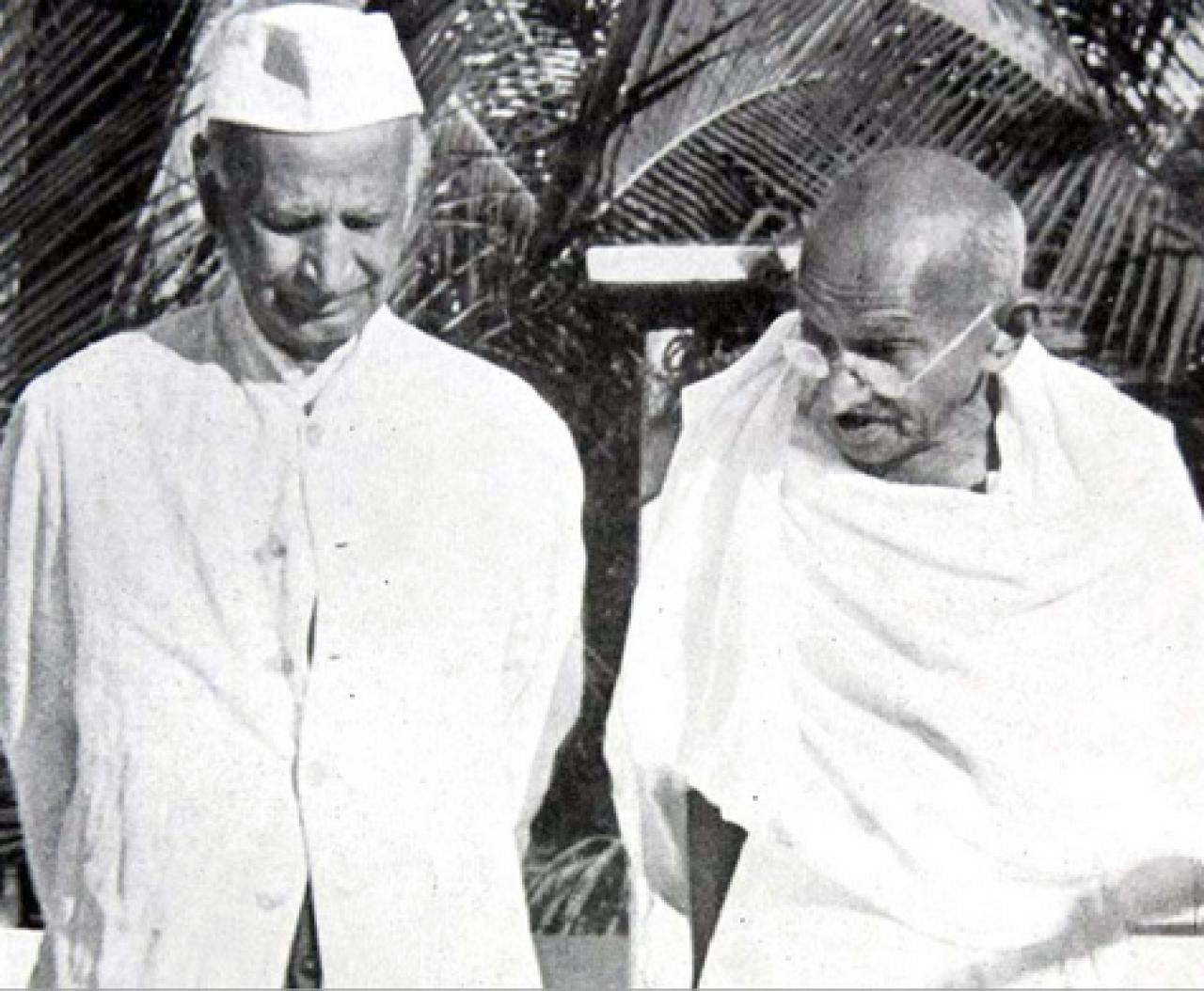 Thakkar Bapa and Gandhi