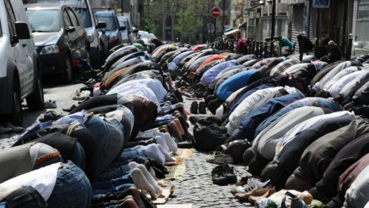 Muslims Won't Be Allowed To Pray On The Streets Of Paris Suburb, Says  French Interior Minister