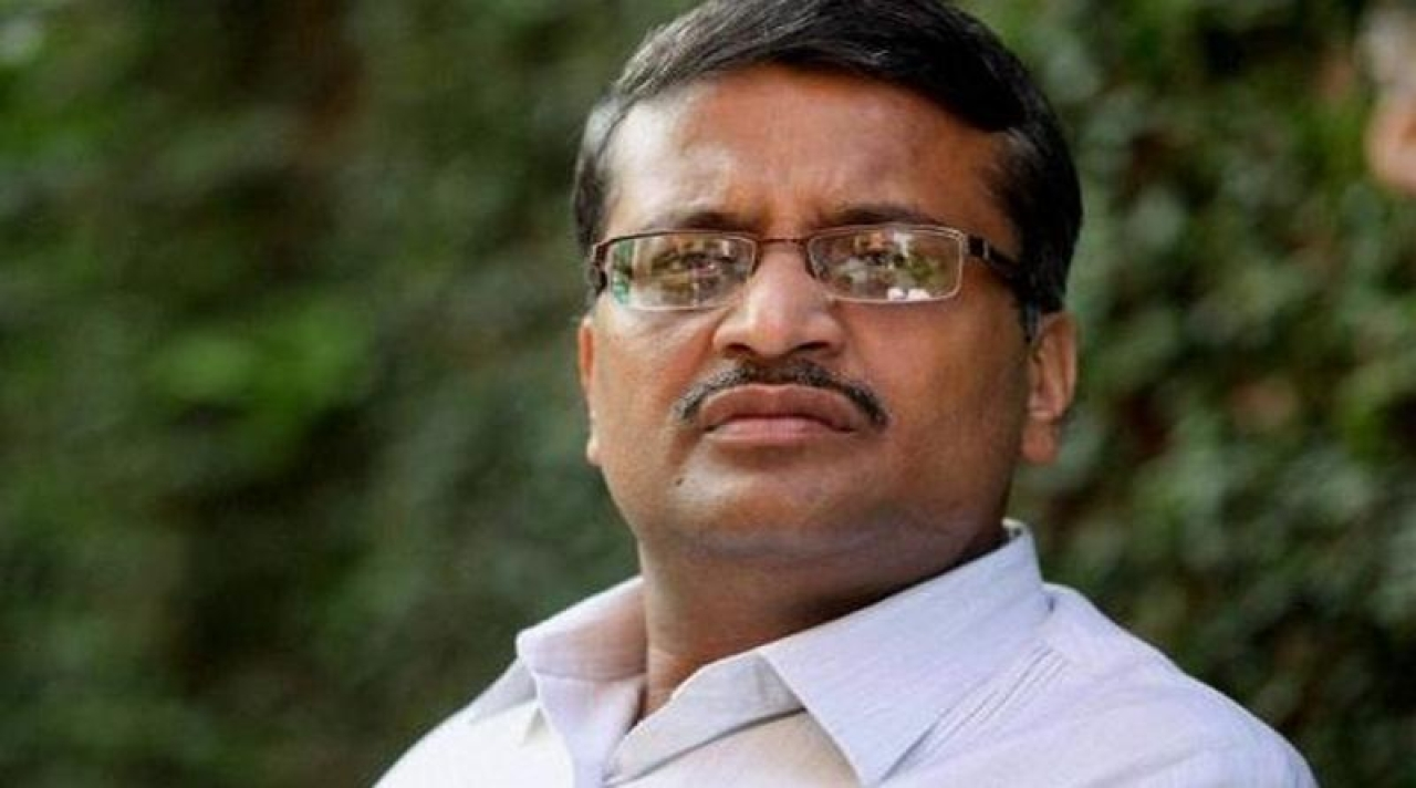 Bureaucrat Ashok Khemka Transferred For The 51st Time – For Simply Being Honest