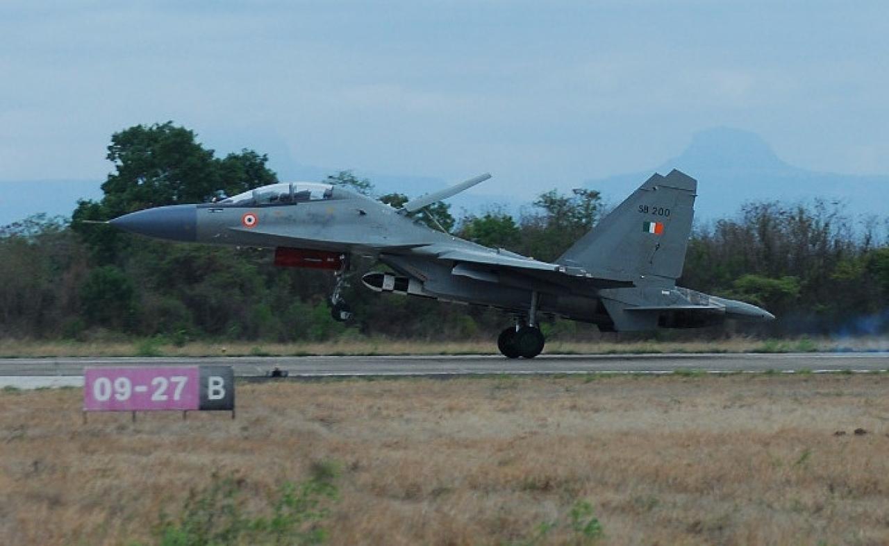 A BrahMos armed Su-30MKI. (Livefist Defence)
