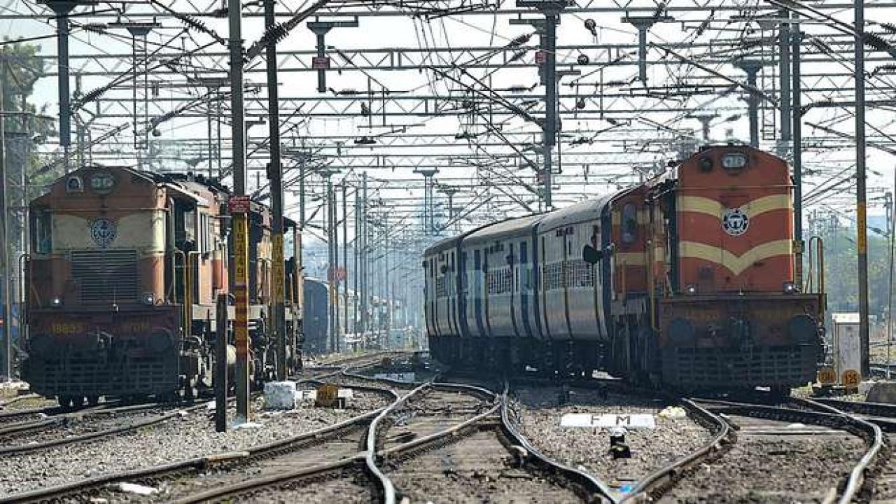 Indian Railways. (NOAH SEELAM/AFP/GettyImages)