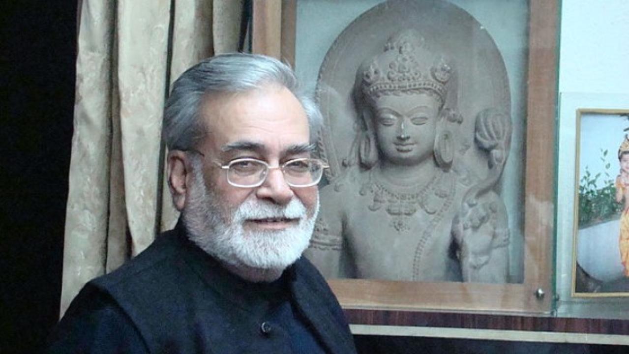 Writer and philosopher Narendra Kohli at his residence in New Delhi, India. (Shishirmit at en.wikipedia)