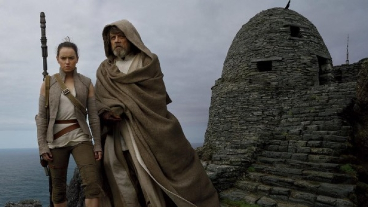 'Star Wars: The Last Jedi' Does Its Job In An Overlong Story