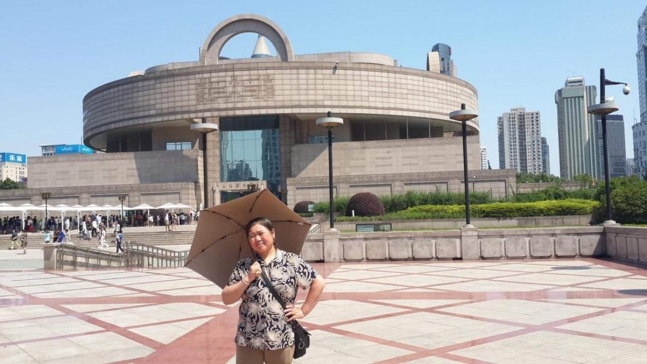 I took Sheng <i>ayi</i> to visit the Shanghai Museum, 2017.