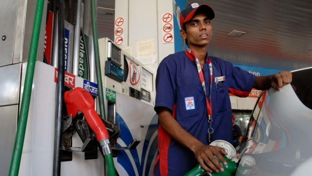 Government To Soon Unveil Policy On Methanol Blending In Petrol