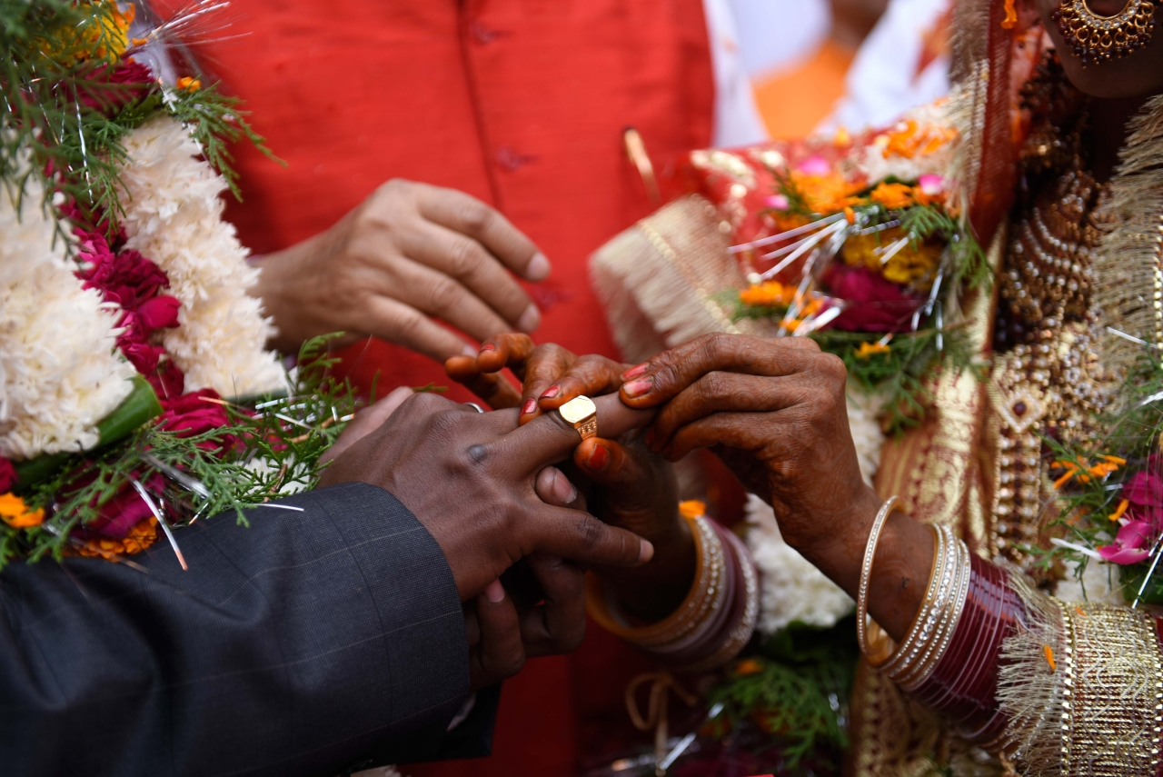 Centre To Offer Rs 2.5 Lakh For Every Inter-Caste Marriage With A Dalit, Removes Income Ceiling