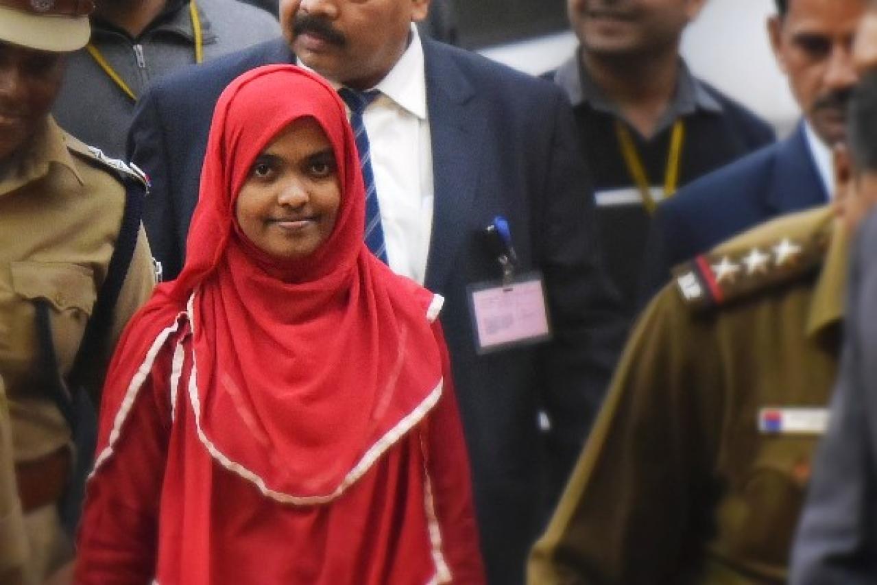 Hadiya at the Supreme Court after hearing on 27 November in New Delhi. (Vipin Kumar/Hindustan Times via GettyImages)