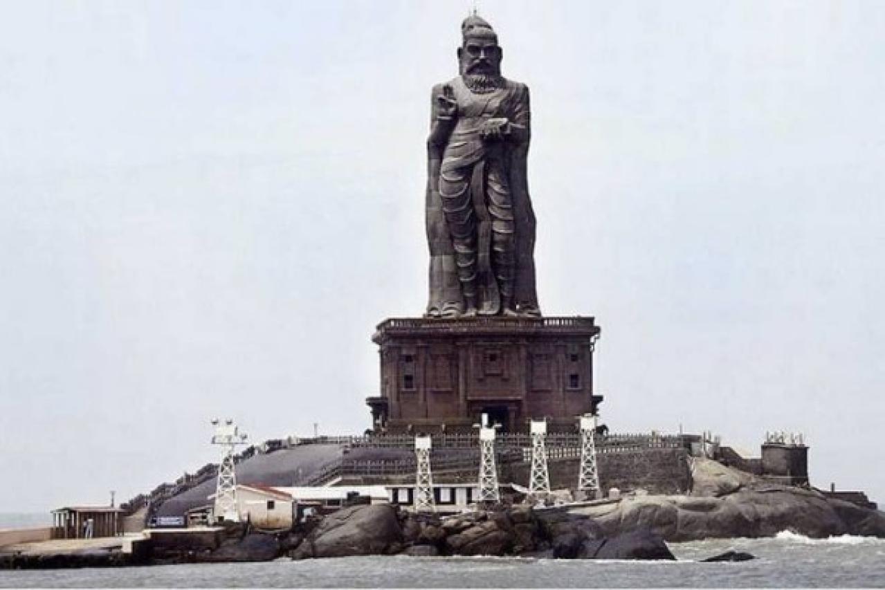 Statue of the famous poet of Thirukkural, Thiruvalluvar, in Kanyakumari