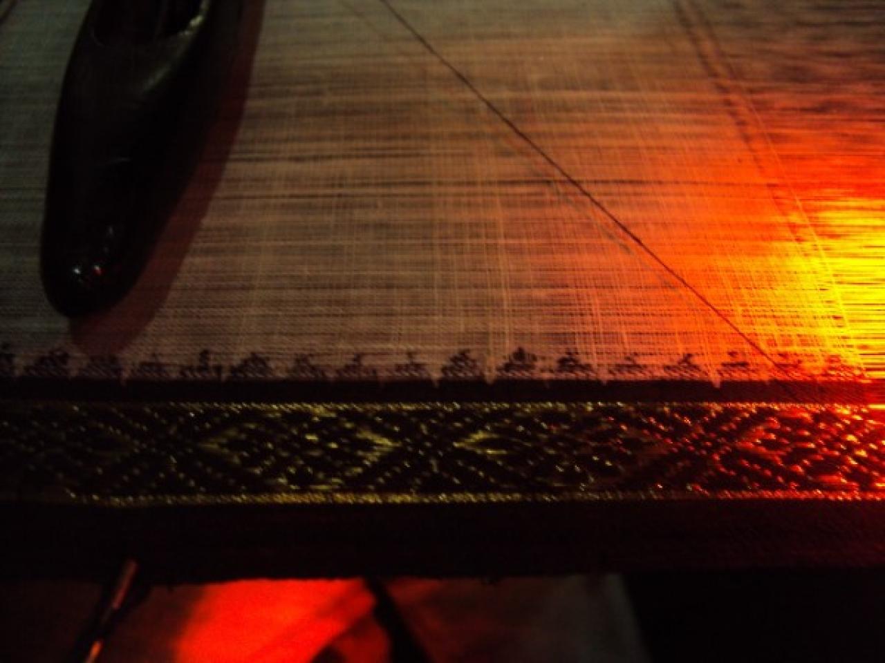 Handloom Khadi weaving at Ponduru, Srikakulam, Andhra Pradesh (N Aditya Madhav/Wikimedia Commons)