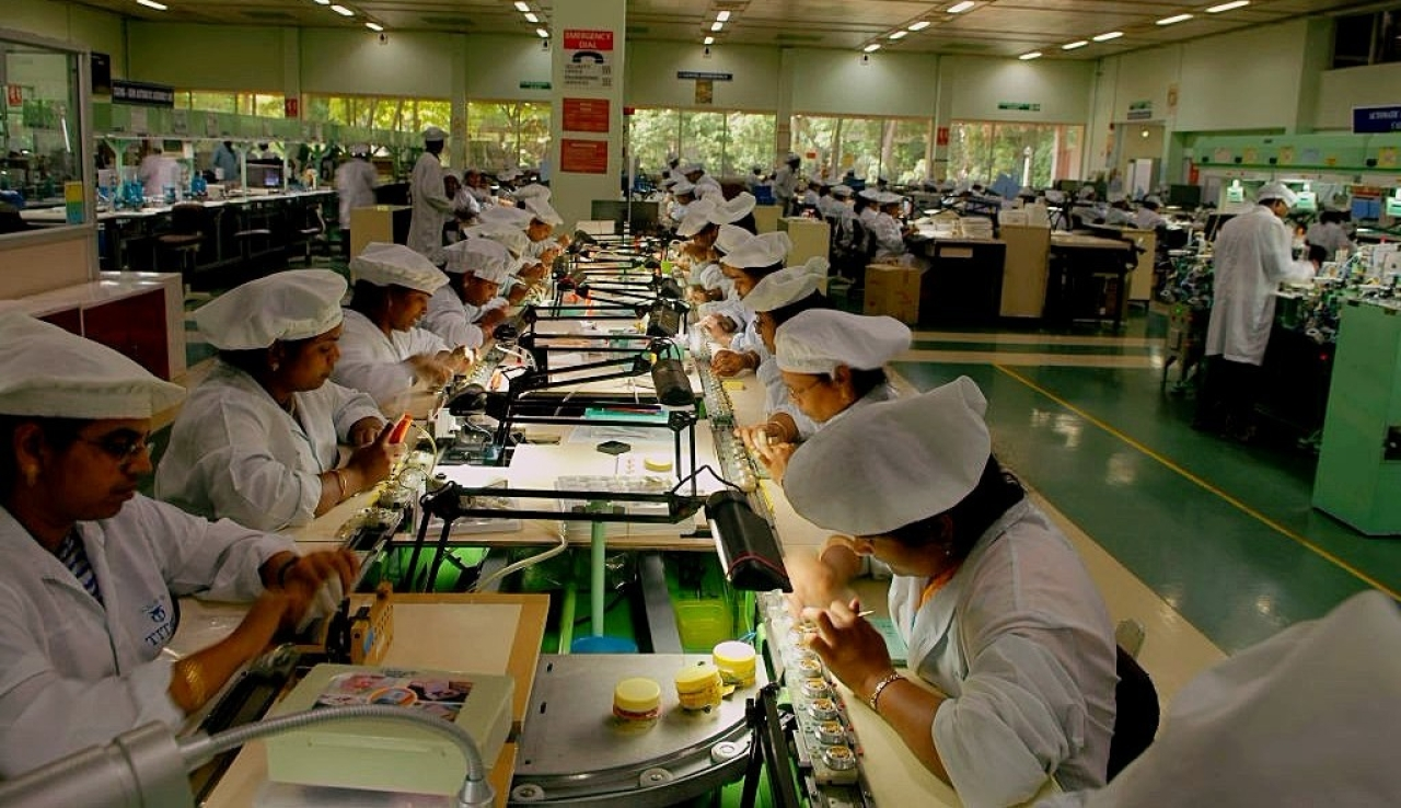 Workers at watch factory in Hosur. (Hemant Mishra/Mint via GettyImages)