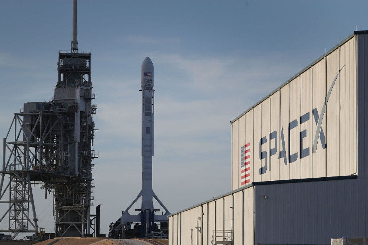 A SpaceX rocket sits on a launch pad in Cape Canaveral, Florida. (Joe Raedle/Getty Images)