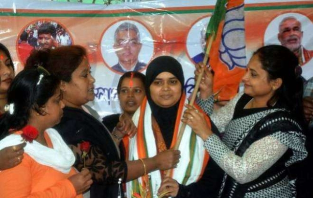 Ishrat Jahan after joining the BJP in Howrah, West Bengal. (PTI)