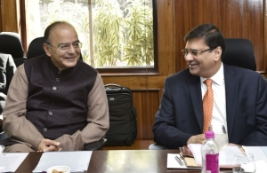 Pot Versus Kettle: RBI And  Finance Ministry Have No Business Blaming Each Other In PNB Fraud