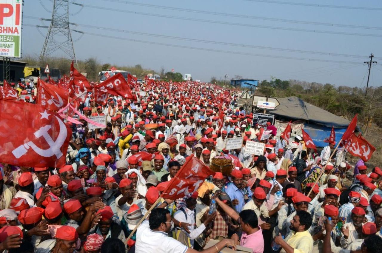 Communists marching from Nashik to Mumbai (Rishikesh Choudhary/Hindustan Times via GettyImages)