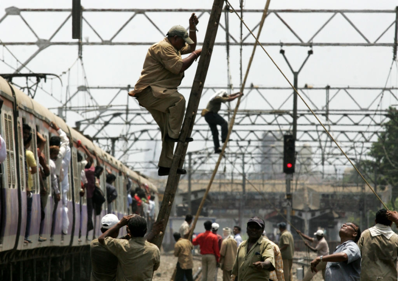 Railways Receives 1.5 Crore Applications For 90,000 Jobs