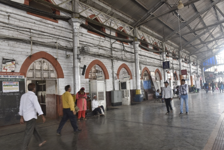 Indian Railways To Redevelop  90 Stations Into Airport-Like Transit Hubs