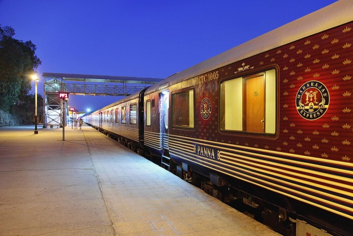 Indian Railways Looks To Capitalise On Tourism, To Convert Defunct Metre Gauge Tracks Into Heritage Lines