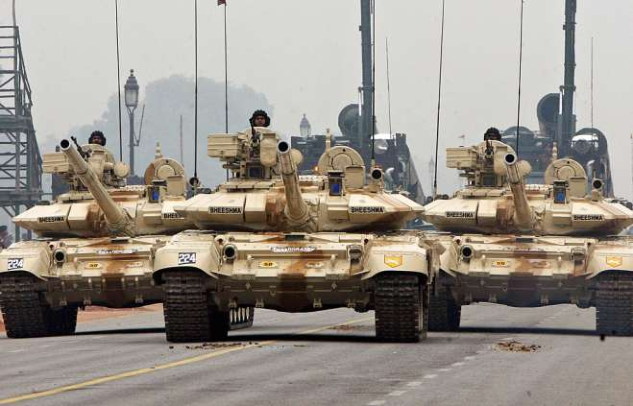 Indian Army T-90 'Bheesma' tanks. (RAVEENDRAN/AFP/GettyImages)