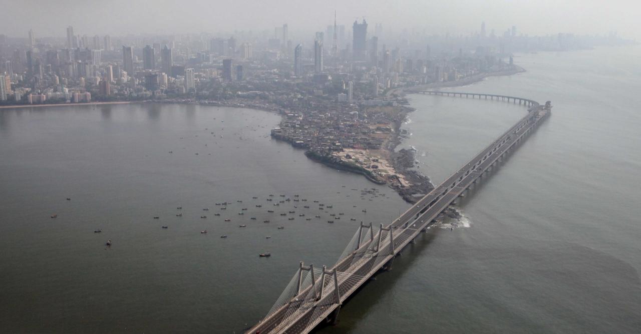 Bandra Worli sea link in Mumbai. (Mahendra Parikha/Hindustan Times via Getty Images)