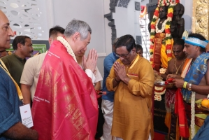 Singapore PM Leads 164-Year-Old Temple's Reconsecration Ceremony With 40,000 Devotees In Attendance
